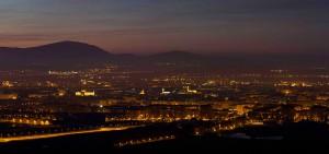 Vista nocturna de Vitoria-Gazteiz. Fuente Lumínica Ambiental