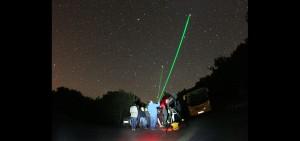 Sesión guiada de Astro turismo con equipamiento astronómico realizado por uno de nuestros Guías Starlight acreditados