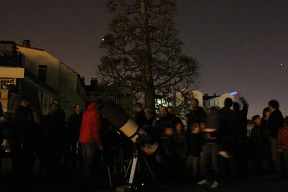 Fiesta de las estrellas y observación astronómica con escolares y sus familias